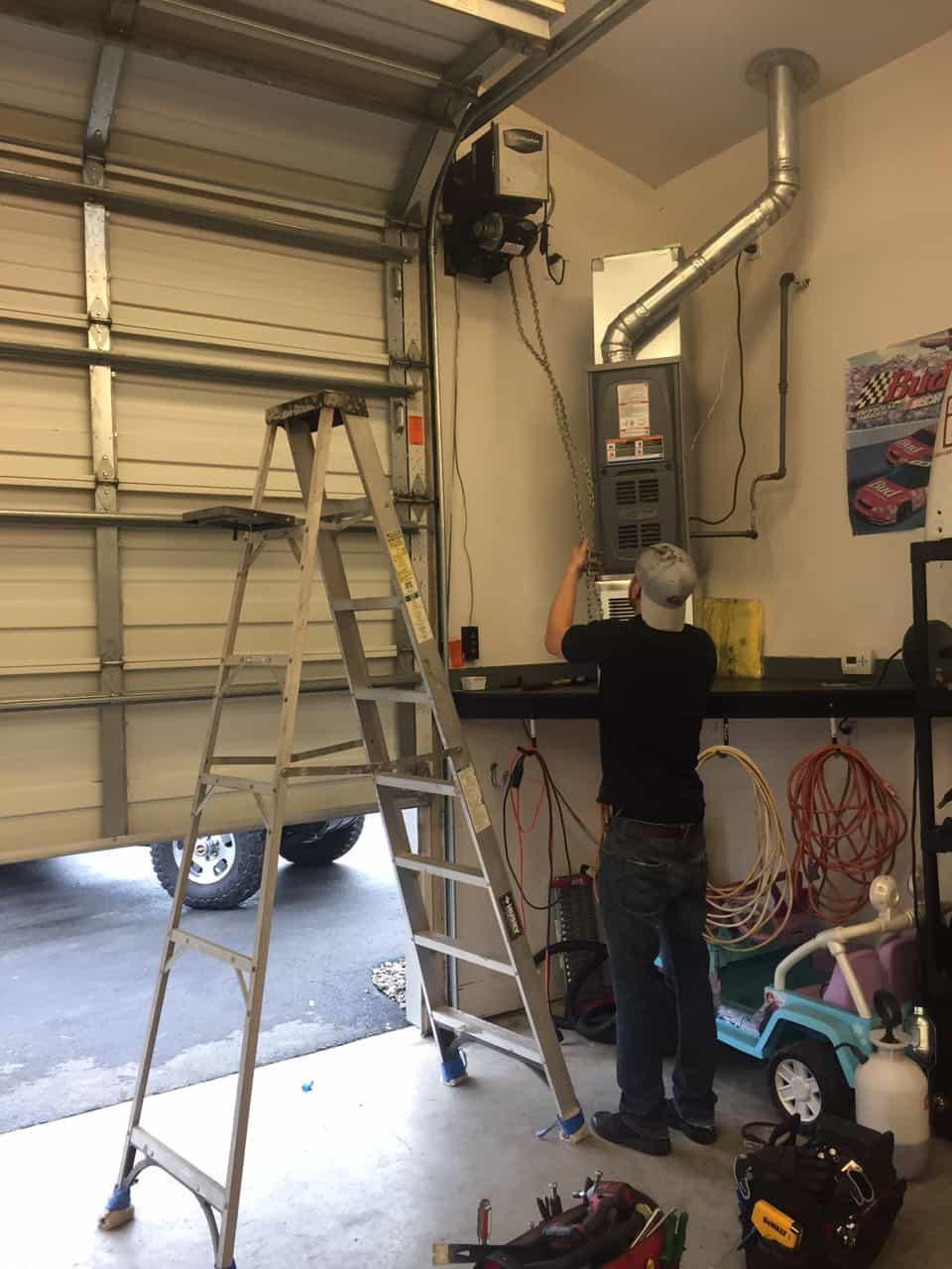Commercial garage door repair in sumner wa by elite tech for Garage door repair bothell
