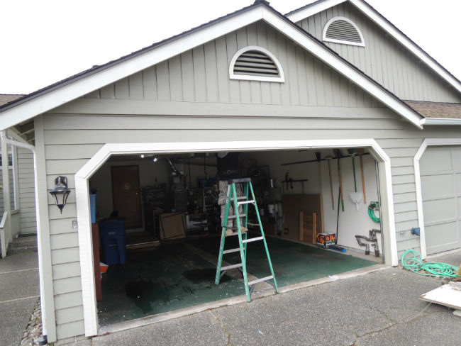 Garage door bent panel repair in kirkland wa by elite tech for Garage door repair tacoma